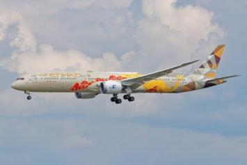 Planespotting-Hightlight Boeing 787 A6-BMD in Speziallackierung